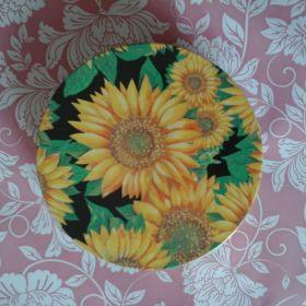 Daisy Coaster Set in tin